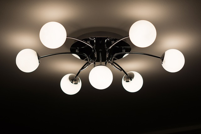 stropné lampa