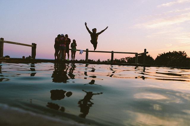 skok do rybníka