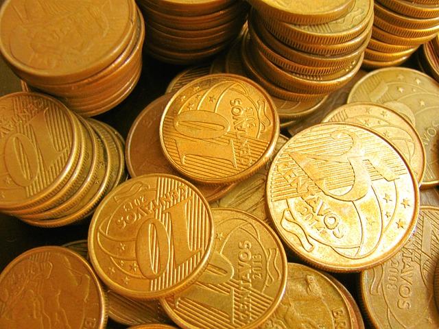několik sloupců mincí.jpg